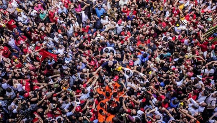 Foto: Lula nos Braços do Povo - Francisco Proner Ramos