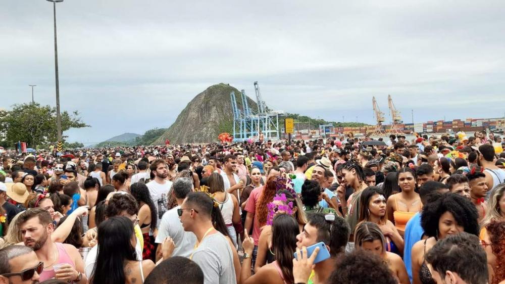 Em Vitória, dez artistas locais, dois nacionais e quatro DJs vão agitar o palco da folia na Avenida Beira-Mar. Foto: Gustavo Fernando