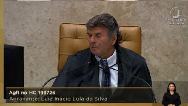 O presidente do Supremo, Luiz Fux, durante o julgamento do caso Lula nesta quinta-feira (22) - (Foto: Reprodução)