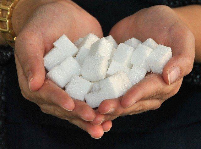 Especialistas explicam que açúcar é muito inflamatório ao organismo da pessoa - (Foto: Pixabay)