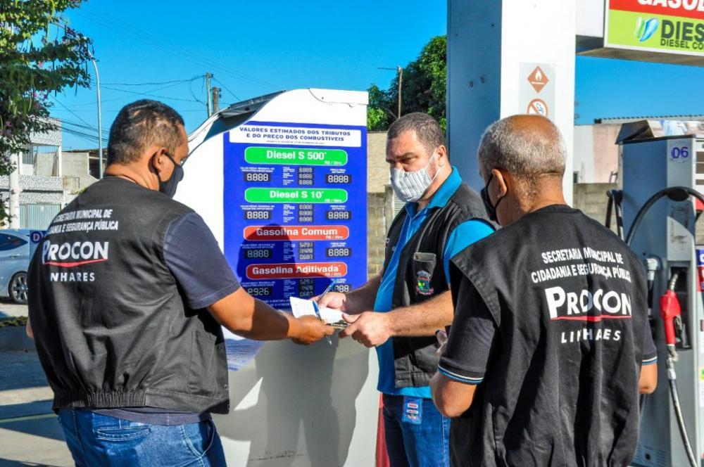 A operação teve o objetivo de coibir infrações em desrespeito a legislação vigente que regula o comércio de combustíveis. Fotos: Felipe Tozatto.