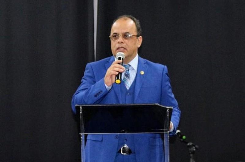 O reverendo Amilton é presidente da ONG Secretaria Nacional de Assuntos Humanitários - Senah