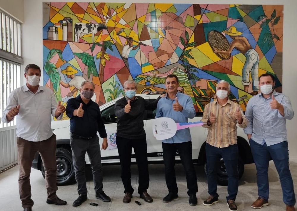 O veículo será usado em favor dos agricultores do município.