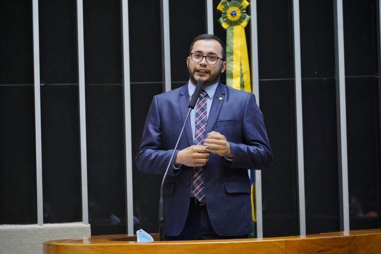 Rafafá: projeto ameniza injustiças - (Foto: Pablo Valadares/Câmara dos Deputados)
